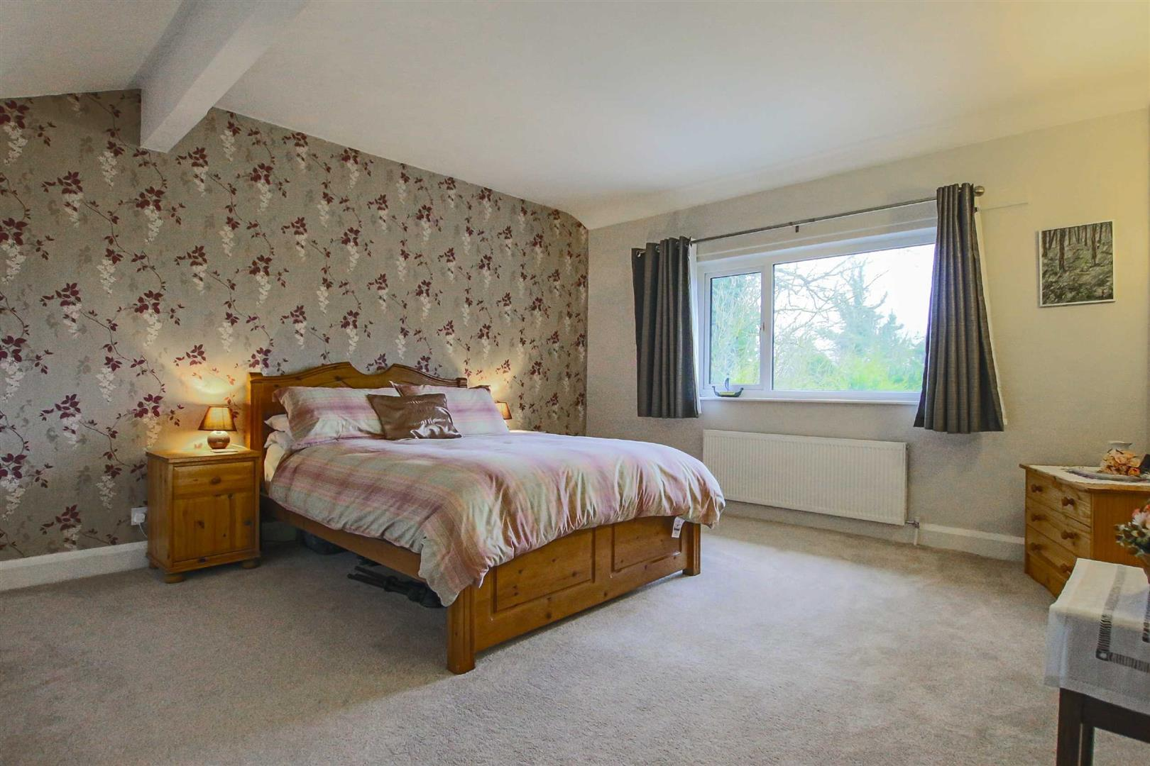 5 Bedroom Detached House For Sale - Image 7